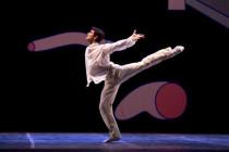 Teatro di San Carlo - GISELLE  - coreografia  Mats Ek - con Robe