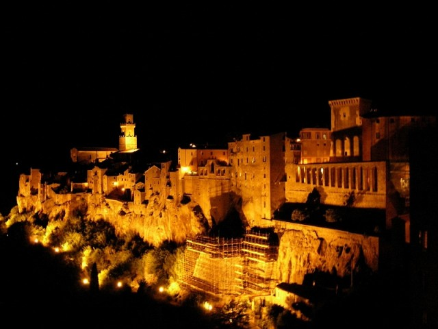 Pitigliano Tuscany IT - Photo by Valerio Ianna