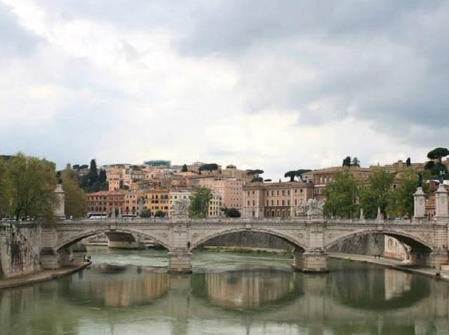 Tiber River 640