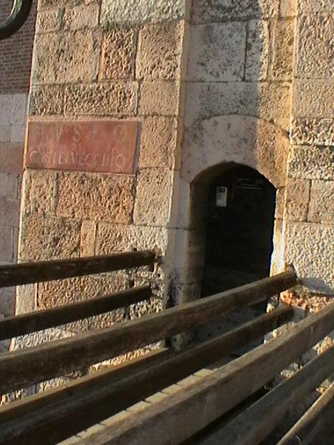 ponte levatoio Camminamento Esterno Cangrande dall'Alto Photo by Giulia Zanoletti