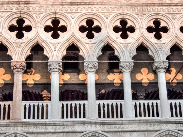 Doge's Palace Photo by aglet