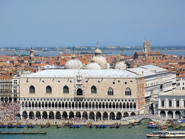 Palazzo Ducale Photo by Harsh Light