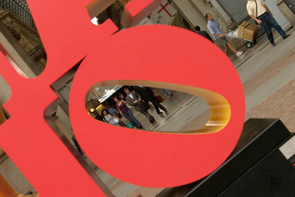 Milan Love Sign -  Photo by Agata Mleczko