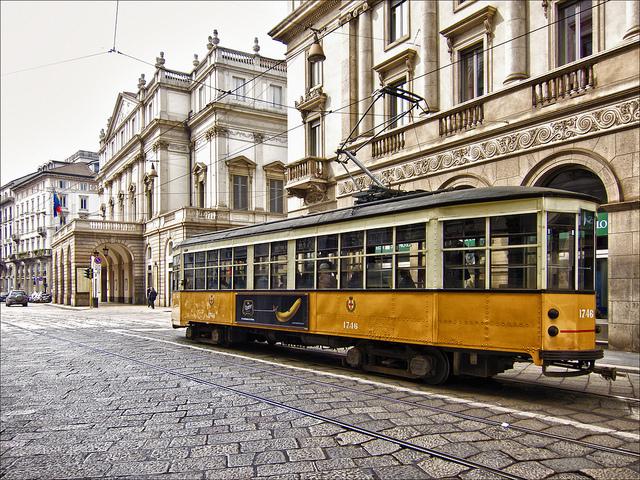 Milano Streetview Teatro alla scala Photo by Bert Kaufmann
