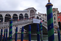 Rialto Bridge   Photo by Aaron Crrossley