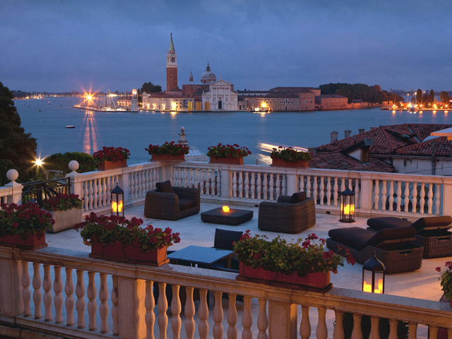9_Baglioni_Hotel_Luna_San_Giorgio_Terrace_night