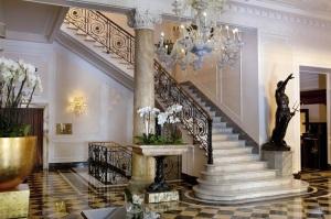 2_Regina_Hotel_Baglioni_Lobby 640