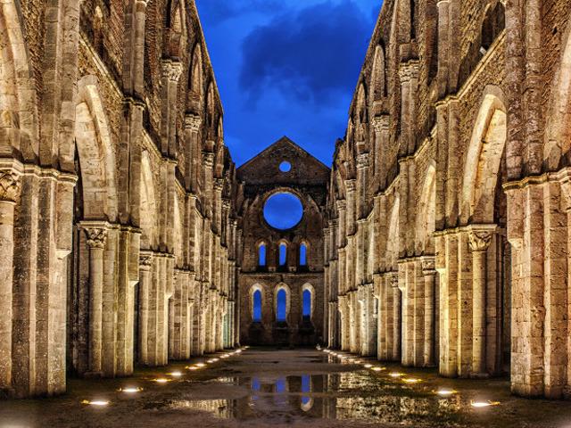 Feature abbazia-san-galgano-siena-696x463