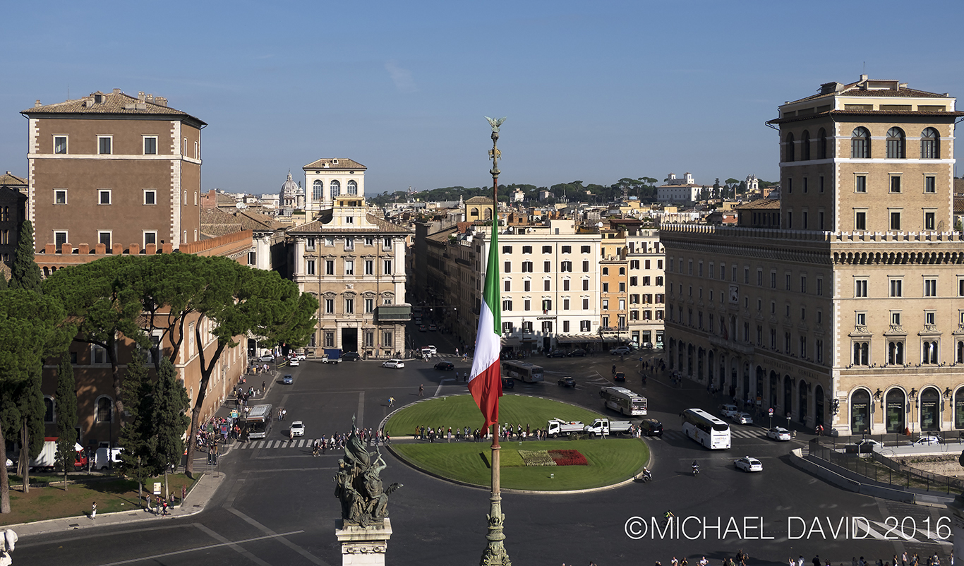 Piazza Venezia Rome Photo by Michael David