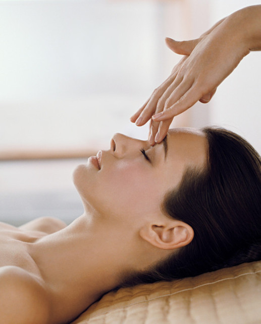 Baglioni Hotels Official photo Facial Spa and Italian Aperitif Experience massages-1-570x706