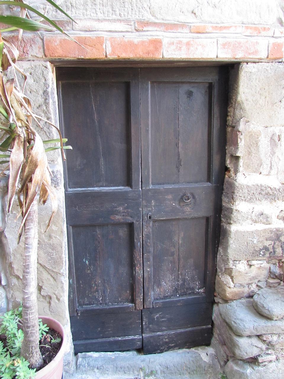 Castelvecchio doors Photo by Aaron Crossley