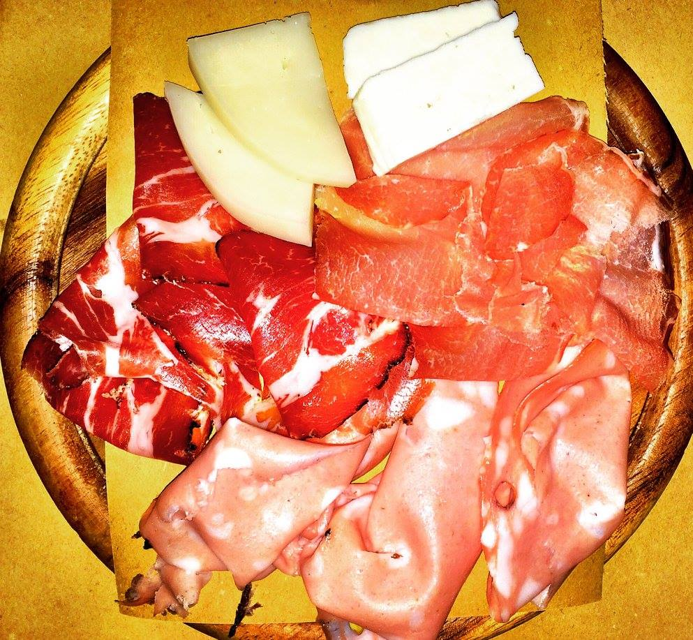 Apulian cold cuts at Il Banco photo by  https://www.instagram.com/buona.forchetta/