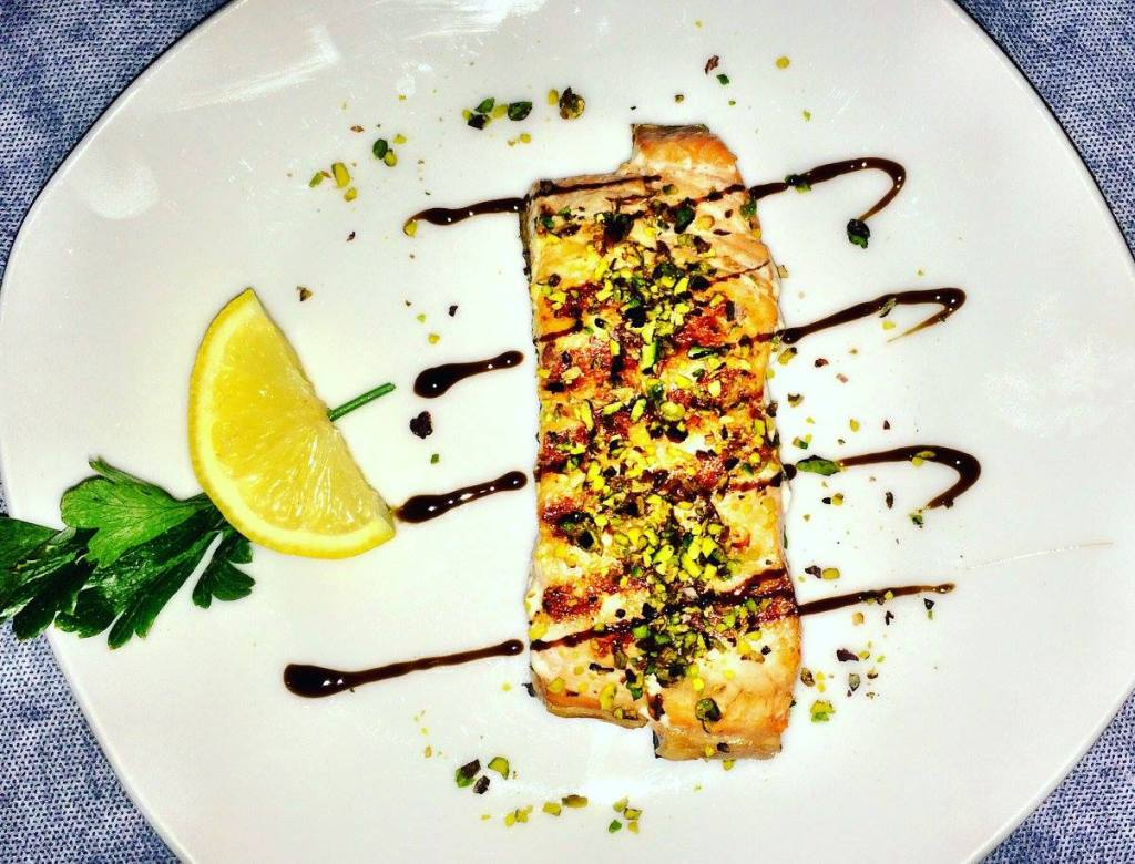 Salmon with pistachio Photo by https://www.instagram.com/buona.forchetta/