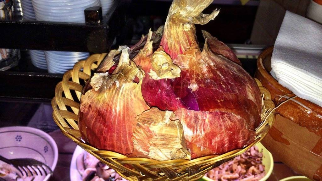 Onion from southern Italy Photo by https://www.instagram.com/buona.forchetta/