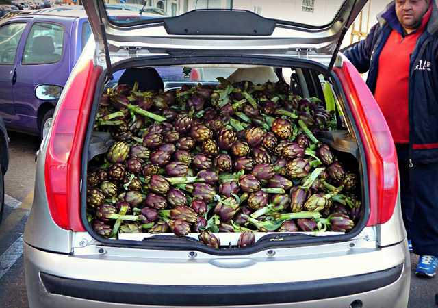 Artichokes in Ostuni - photo by Orna O'Reilly
