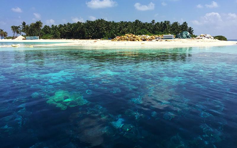Blue_waters_Maldives