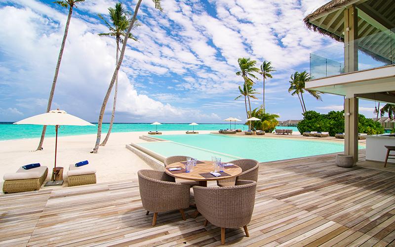 Baglioni_Resort_Maldives_Main_Pool